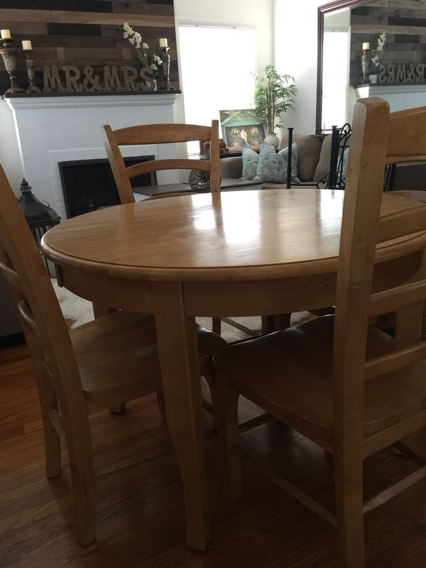 Popular farmhouse heavy dining room table and chairs with extended leaf to  TE95