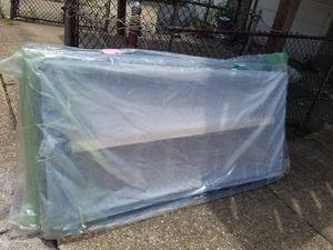 Low profile 4inch king box spring for Sale in Philadelphia, PA
