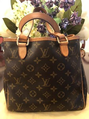 Authentic Louis Vuitton Vertical Batignolles for Sale in Gainesville, VA