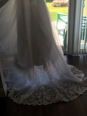 Wedding dress for Sale in Clermont, FL