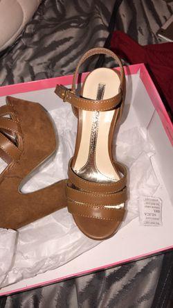 High heels brand new never worn Thumbnail
