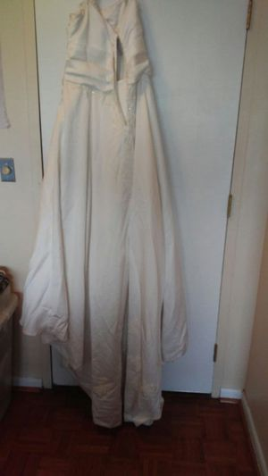 Wedding gown for Sale in Columbus, OH
