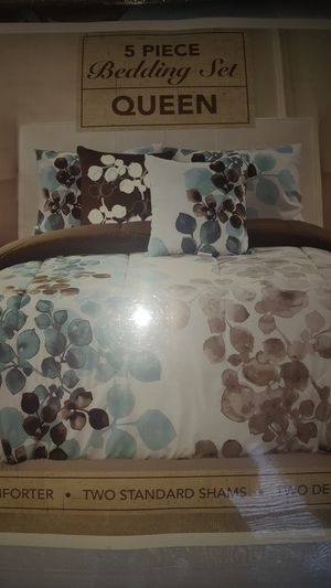 5pc queen bedding set excellent condition for Sale in Chapel Hill, NC