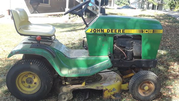 John Deere Rider Excellent Condition For Sale In St