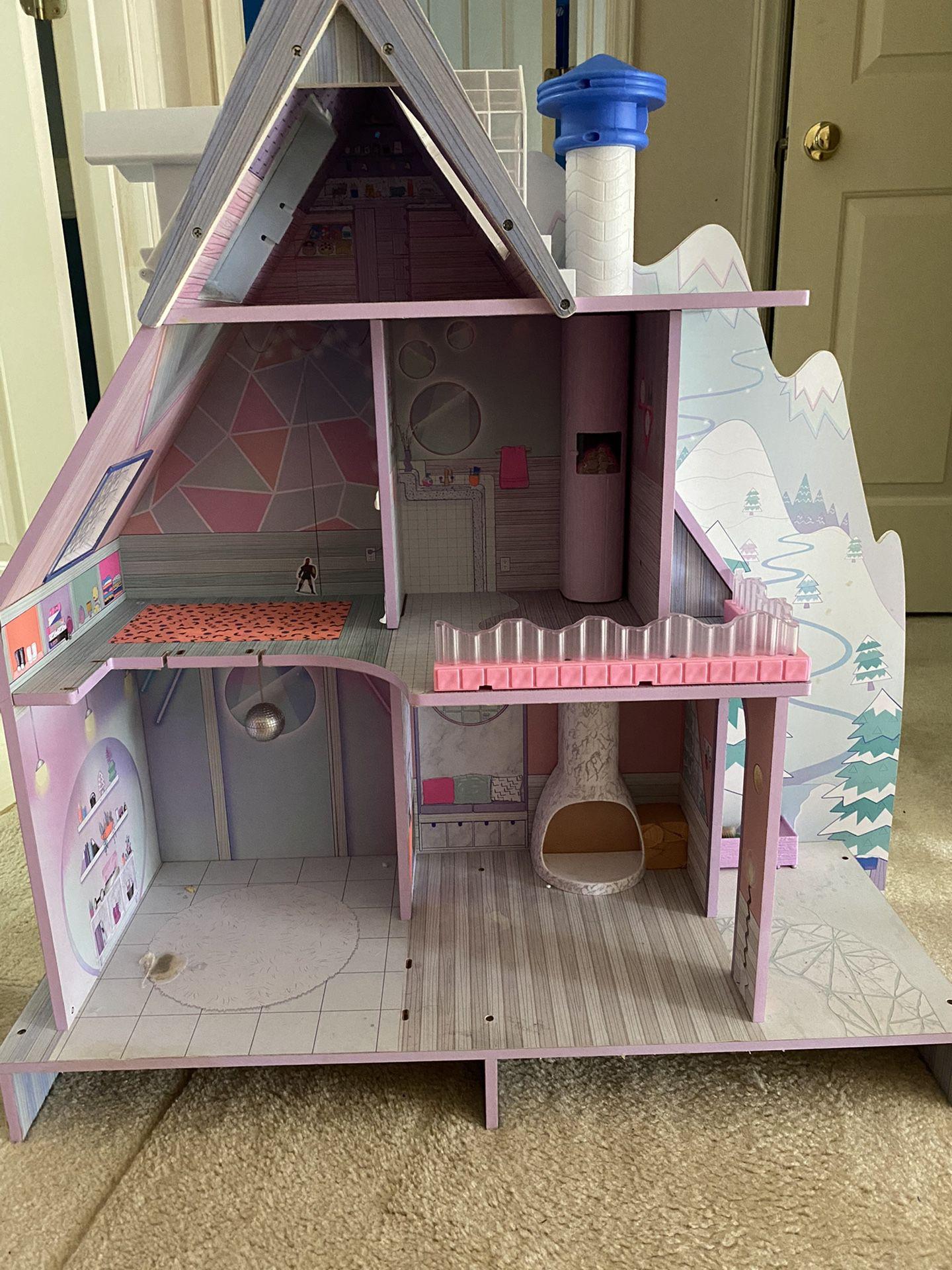 LOL Dollhouse