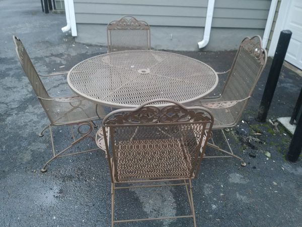 Table And Four Spring Rocking Chairs Wrought Iron Outdoor Furniture