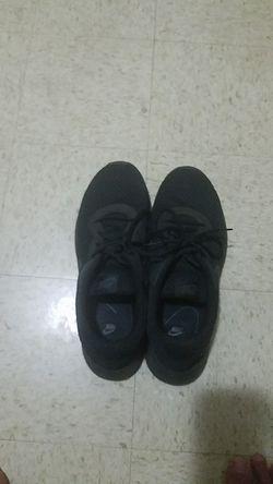 Nike black tanjuns Thumbnail