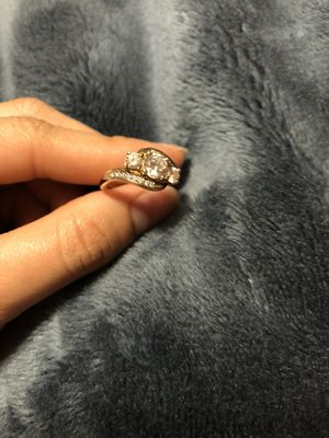 3 stone cubic zirconia pure stamped sterling silver. 14k gold plated really beautiful ring size 7 for Sale in Woodbridge, VA