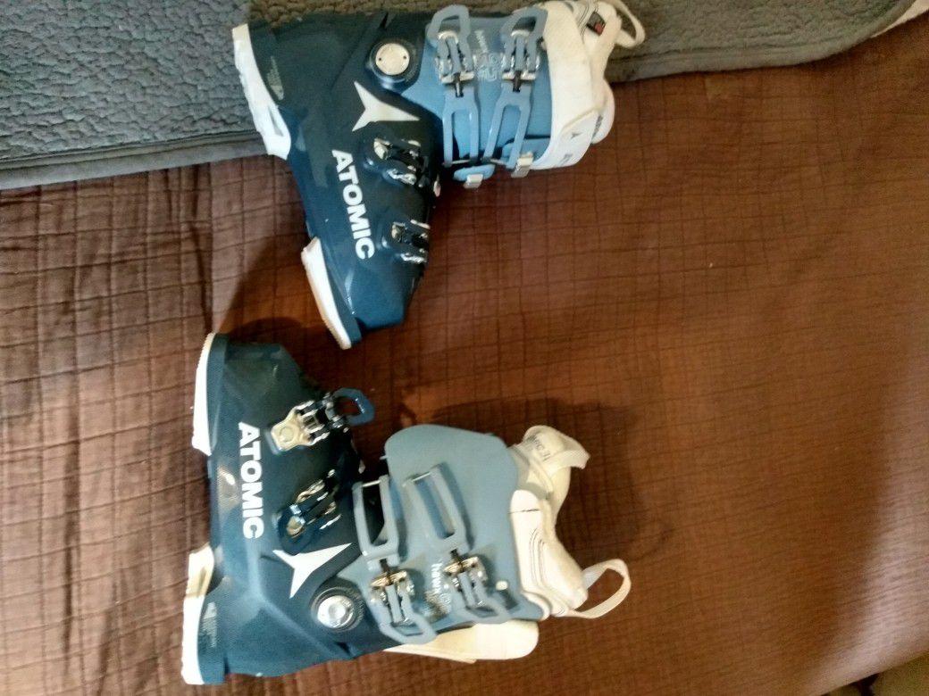 Women's Atomic Hawx Prime 95 Ski Boot 2021