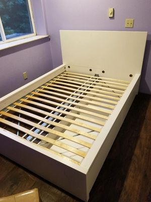 Photo IKEA full bed with drawers