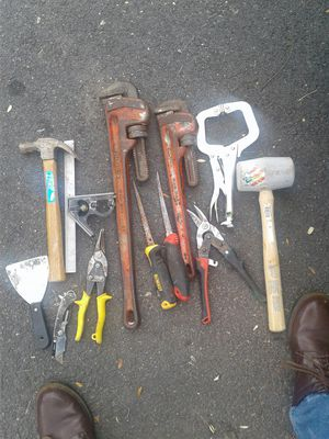 herramientas usadas dos stilson ridgid incluidas for Sale in Sterling, VA