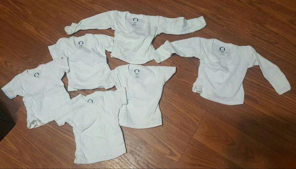 db1ee935f White gerber newborn kimono unisex side snap lot for Sale in ...