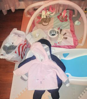 Baby girl clothe's & 4moms tub for Sale in Springfield, VA