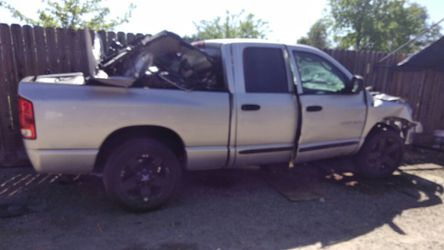 2004 Dodge Ram 1500 Thumbnail