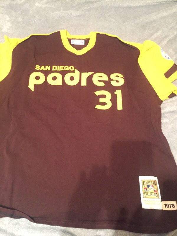 00b90a41 Dave Winfield San Diego Padres Jersey for Sale in Cleveland, OH ...