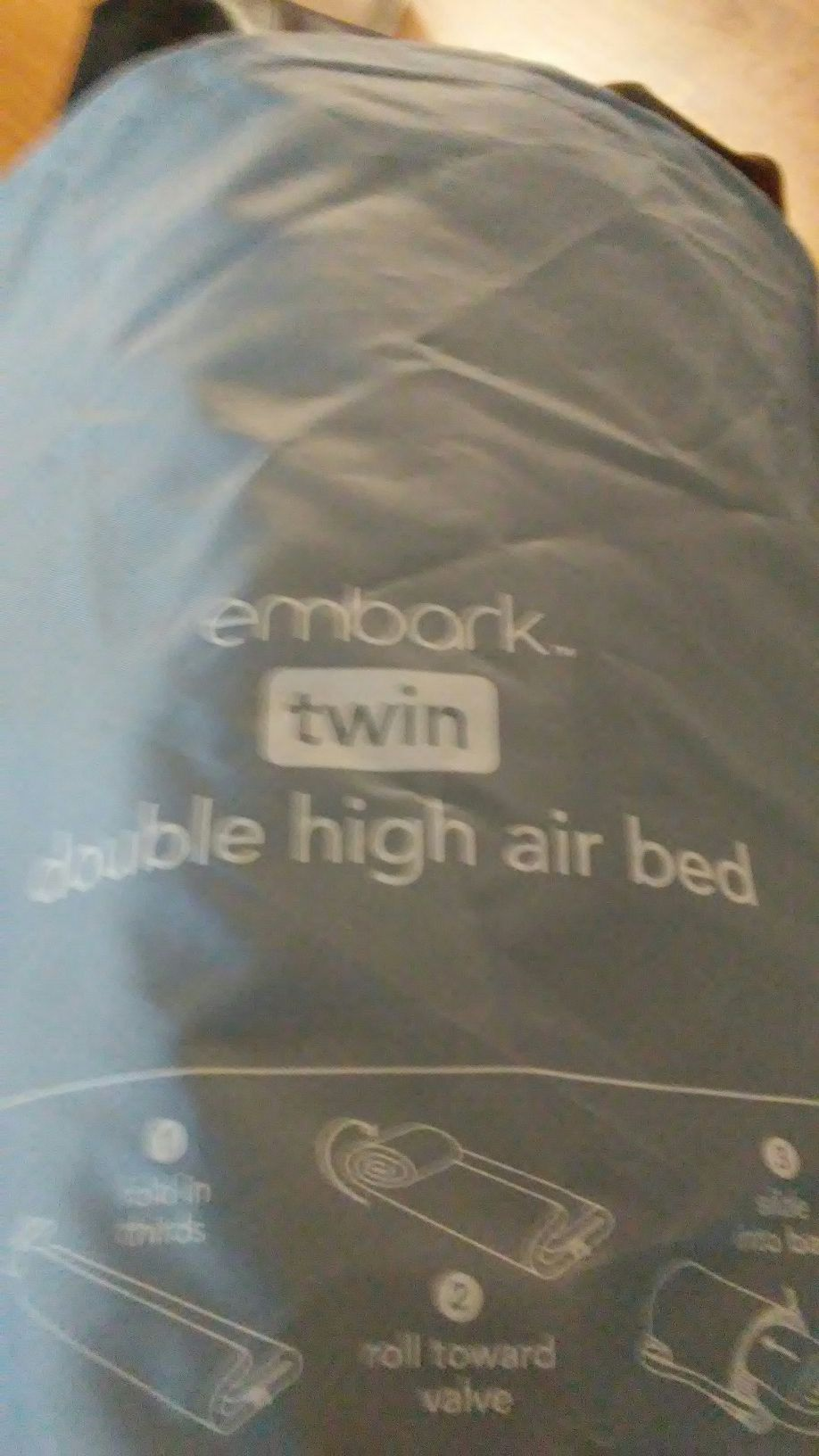 Photo Embark, twin air bed . new