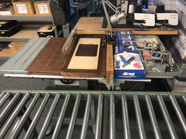 Delta 10 Contractors Table Saw With Accessories Stand