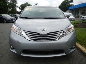 2015 Toyota Sienna XLE Premium Nav Moonroof 8 Passenger for Sale in Fairfax, VA