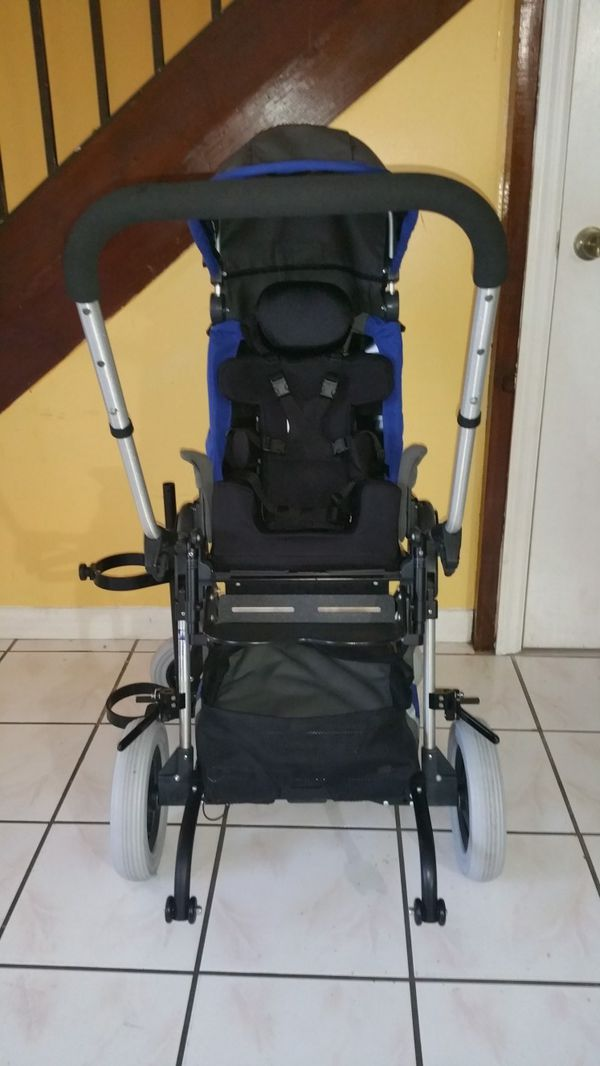 Kid kart express pediatric wheelchair/stroller  for Sale in Hollywood, FL -  OfferUp