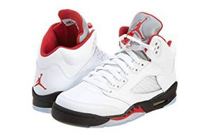 RETRO AIR JORDAN V 5 FIRE RED SIZE 7Y 7 GS for Sale in Los Angeles, CA