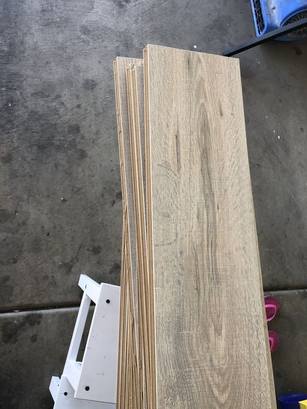 New Pergo Waterproof Laminate Flooring 200sqft Crema