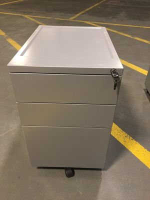 3 drawer filing cabinet for Sale in Chicago, IL