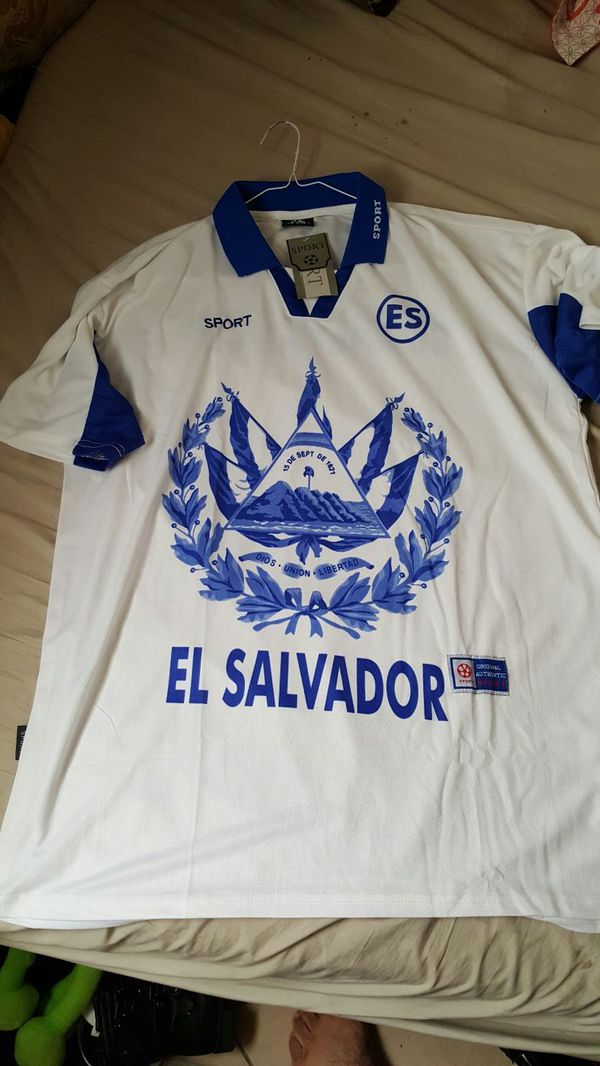 sale retailer c826c cacde Brand NEW El Salvador Soccer Jersey XL for Sale in Las Vegas, NV - OfferUp