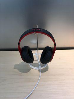 Wireless headphones (beats solo 3 wireless) Thumbnail