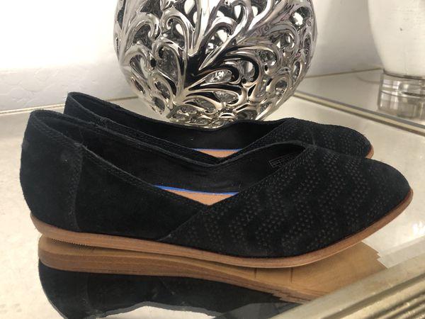 99ea649e4e4 Toms Jutti Chevron Pattern Suede Flats Women s Size 5 (Clothing   Shoes) in  Tolleson
