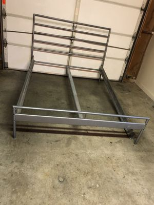 Queen size bed frame for Sale in Frederick, MD