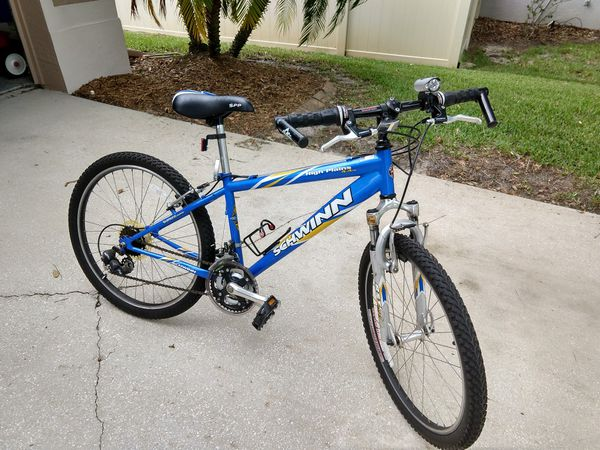 479839bd554 Schwinn high plains 4.4 boys mountain bike for Sale in Oviedo, FL ...