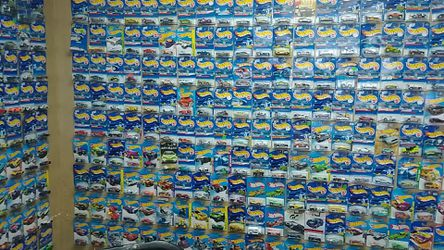 Hot Wheels and other Die Cast cars. Pawn Shop Thumbnail