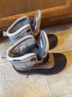 Vendo estos zapatos Columbia waterproof solo los use una vez serios compradores for Sale in UNIVERSITY PA, MD