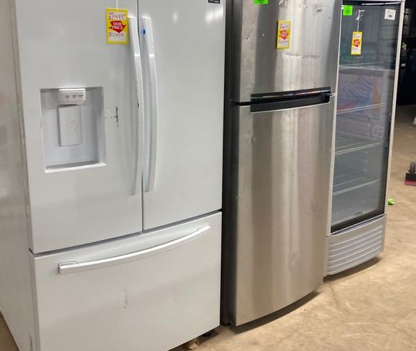 Refrigerators X7UJ