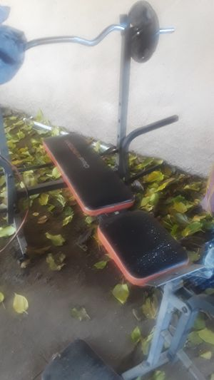 Bench press with weights 40 Libras for Sale in Fresno, CA