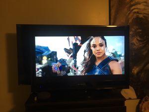 32in flat screen tv for Sale in Springfield, VA