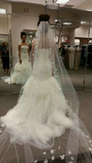 Vera Wedding Dress For In Murfreesboro Tn