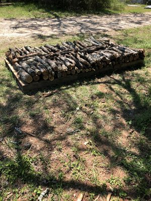 Photo 1/8 Cord Mesquite Grill Wood