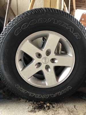 Llantas/ tires. RIMS AND TIRES for a jeep With everything and wheels./ RIM 15. GoodYear for Sale in Takoma Park, MD
