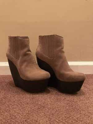 Steve Madden wedge bootie (Size 7) for Sale in Germantown, MD