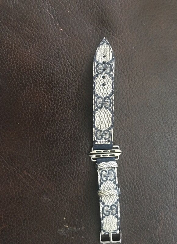a3030b03b80 Gucci Apple Watch band 42mm. Authentic (bape