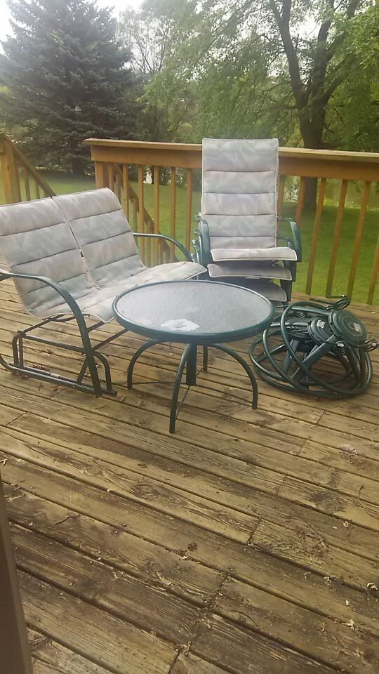 Patio furniture 6 pieces rocking love set & 4 chairs w/table for Sale in Grand  Rapids, MI - OfferUp - Patio Furniture 6 Pieces Rocking Love Set & 4 Chairs W/table For