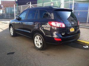 """Hyundai santa fe 2011 Miles:211"""""""""""" for Sale in Queens, NY"""