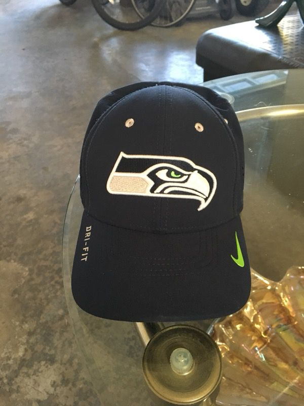 Brand new Nike Seattle Seahawks hat dark navy blue original Seahawks colors  dry fit for Sale in Federal Way 158f74fda
