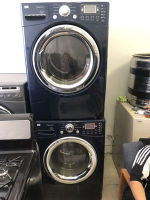 Photo LG front load washer & LG front load gas dryer set