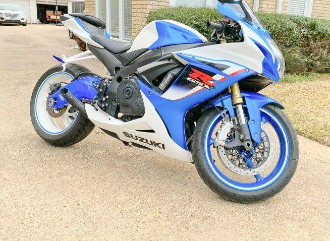 Photo Power_ Suzuki GSXR$1000