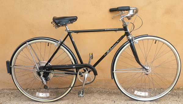 Schwinn Classic 5 Speed Vintage Bike (Medium Size) - Ready to Ride for Sale  in Tucson, AZ - OfferUp