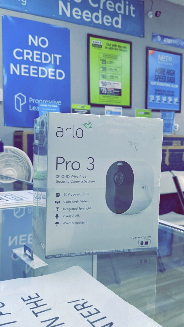 Arlo Pro 3 - 2K Wire-Free Security (one Camera) white - Brand New in Box! - One Year Warranty!