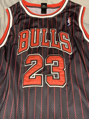 Photo Micheal Jordan Authentic real Jersey size 50 with Exclusive rare Jordan Funko pop
