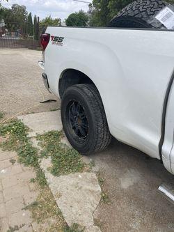 Rims And Tires R20  Toyota Tundra  Thumbnail